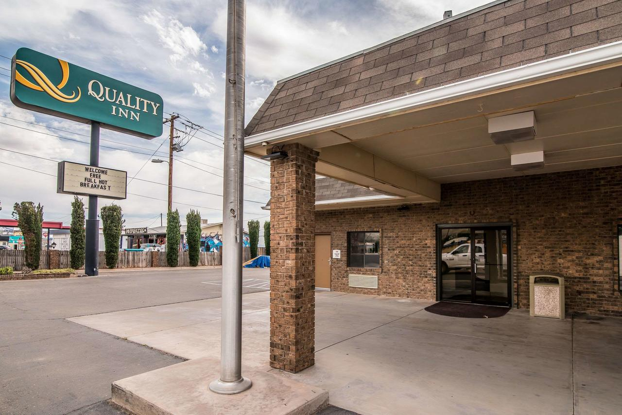 Quality Inn  Suites Near White Sands National Monument