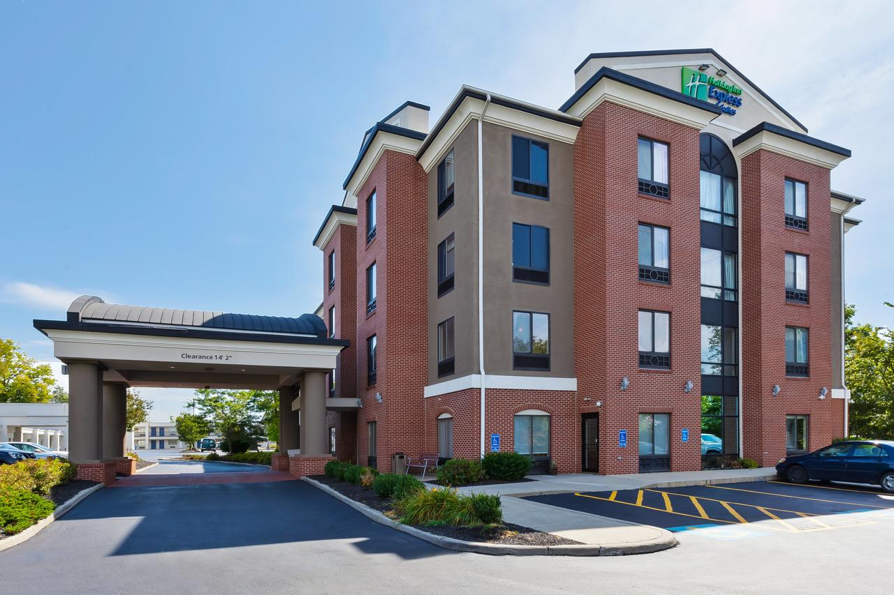 Holiday Inn Express Hotel  Suites Cleveland-Richfield