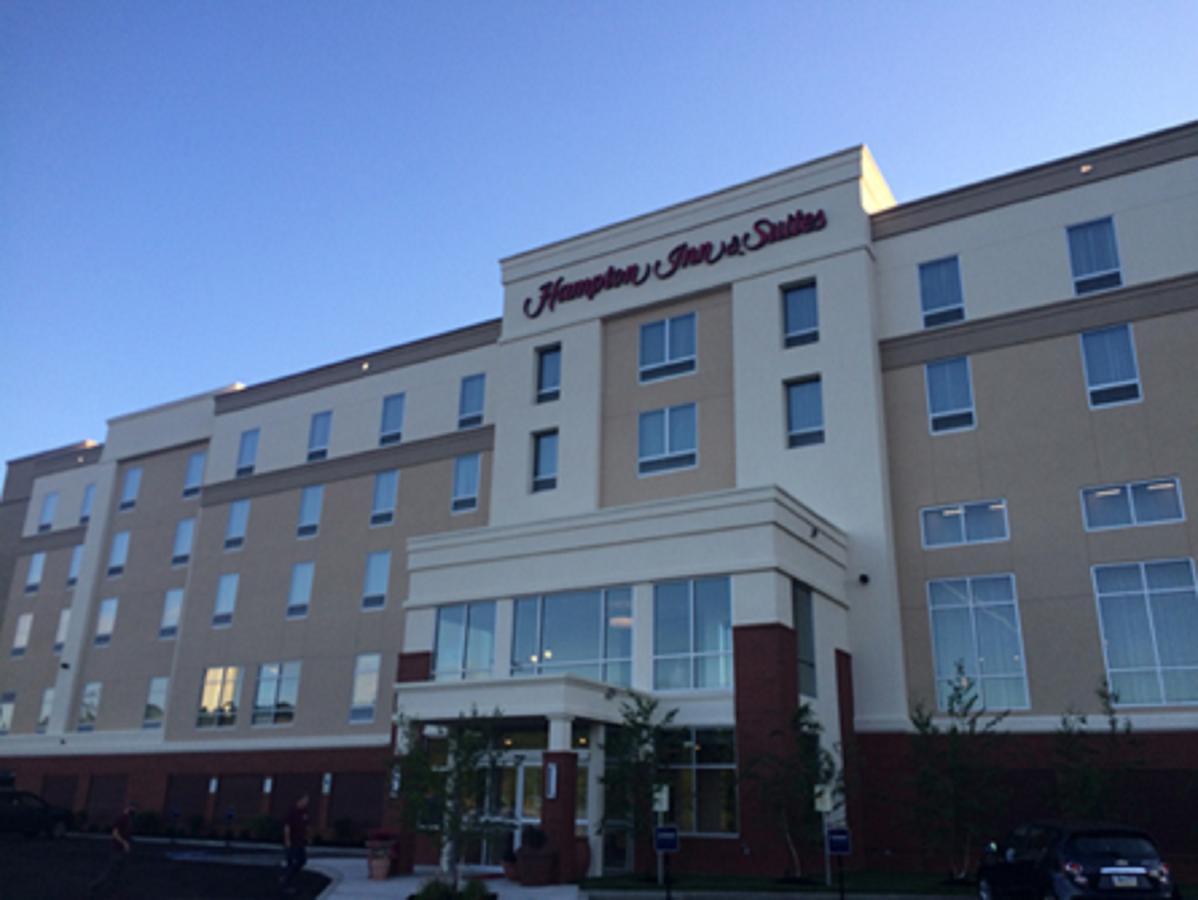 Hampton Inn  Suites-Alliance OH