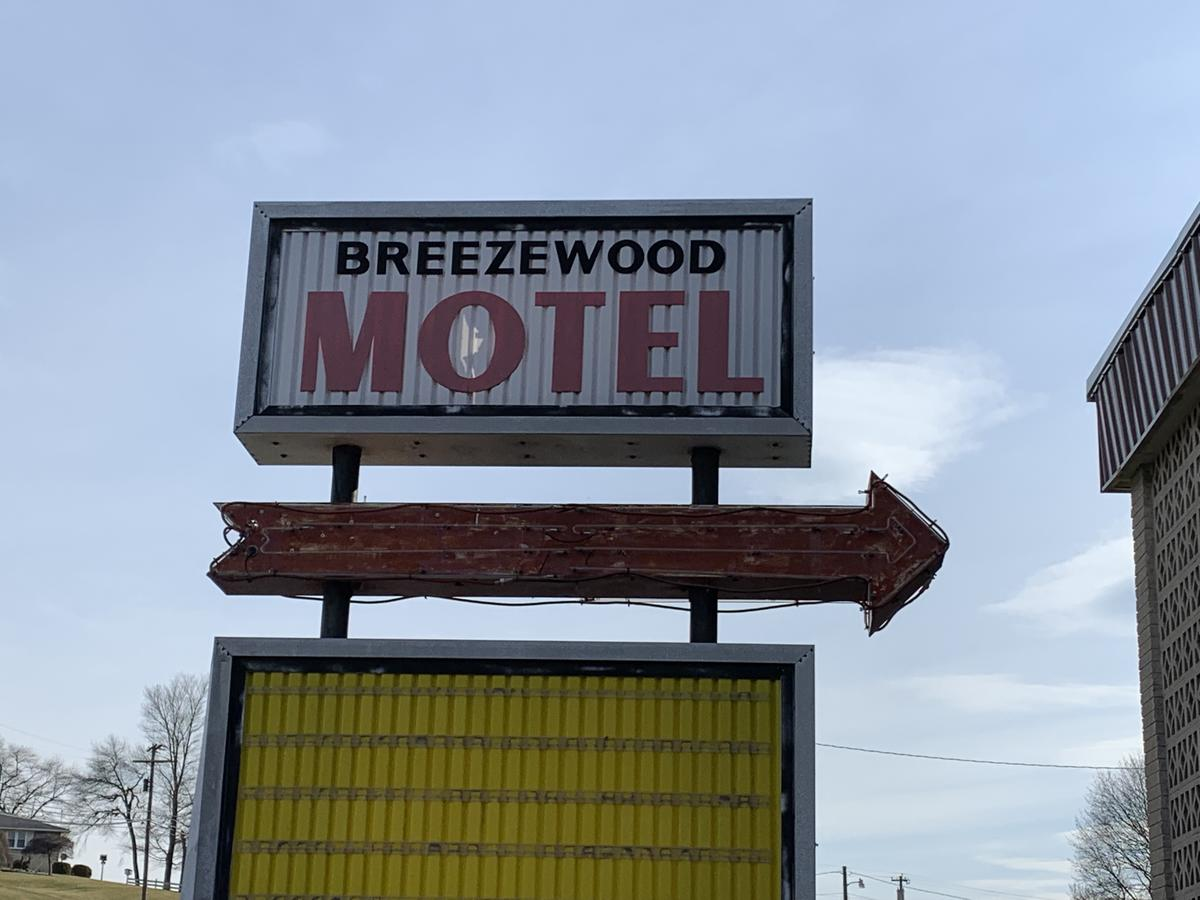 Breezewood motel