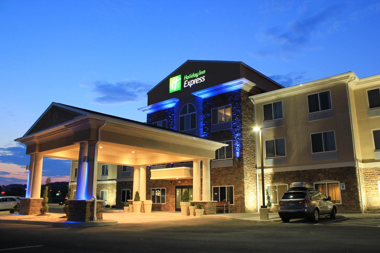 Holiday Inn Express  Suites Belle Vernon