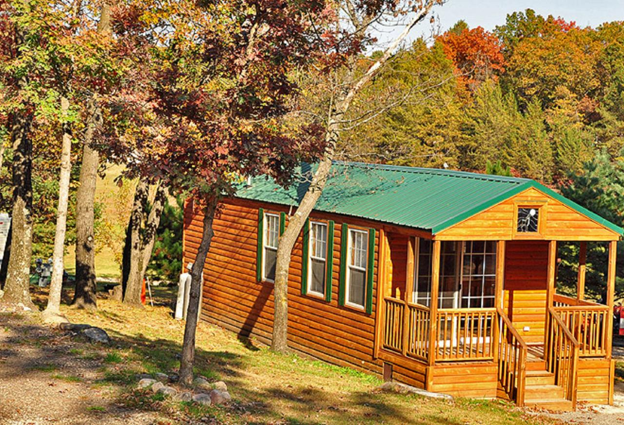 Arrowhead Camping Resort Deluxe Cabin 4