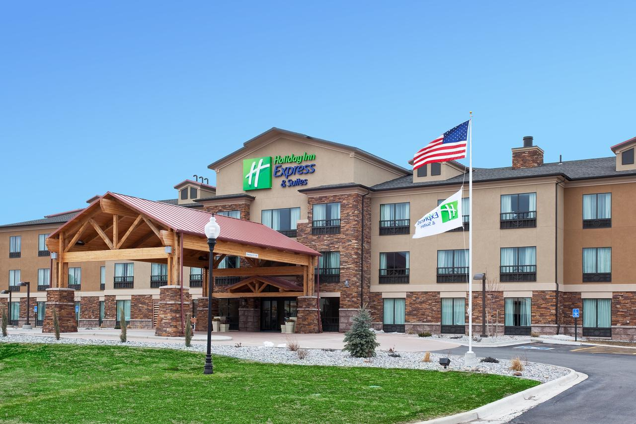 Holiday Inn Express Hotel  Suites Lander