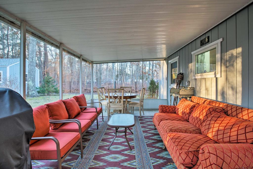 East Quogue Cottage w/ Sunroom Steps to Bay