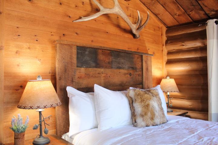 Elkhorn Cabins and Inn