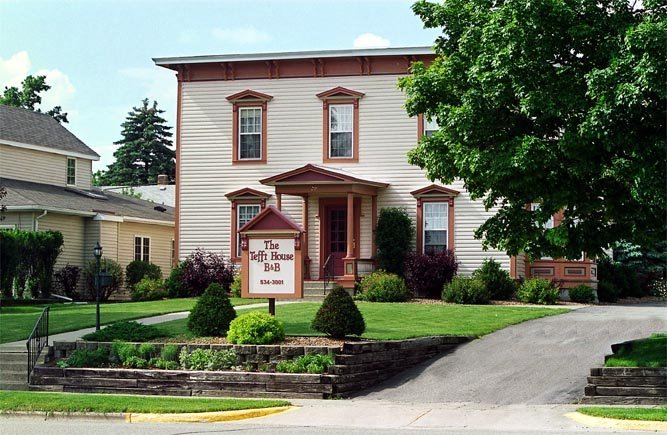 Tefft House Bed & Breakfast