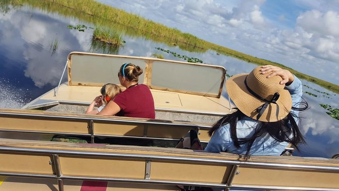 Full-Day Everglades Naturalist-Led Adventure Cruise Hike and Airboat