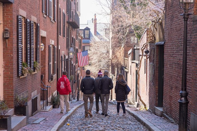 Boston North End to the Freedom Trail - Food  History Tour Small Group