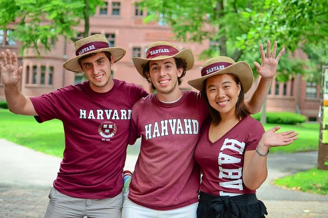 Harvard Campus Walking Tour with Admission to Harvard Museum of Natural History