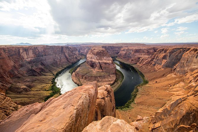 Viator Exclusive: Private Overnight Tour to Antelope Canyon, Horseshoe Bend, Lake Powell and Zion from Las Vegas