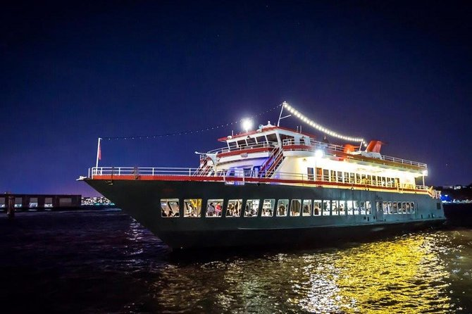 New York City Christmas Eve Dinner Cruise by World Yacht