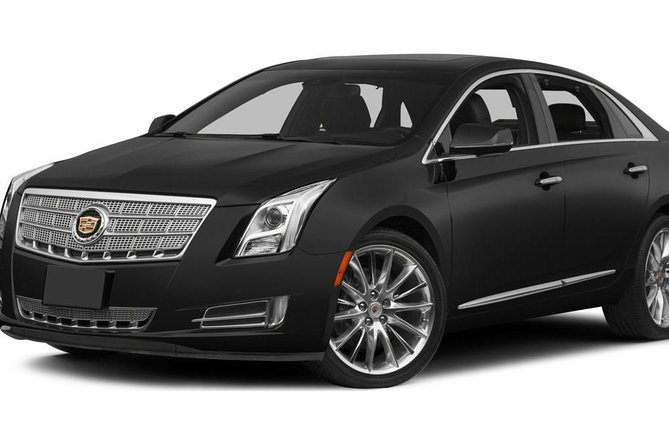 Arrival Private Transfer from Seattle Airport SEA to Seattle by Business Car