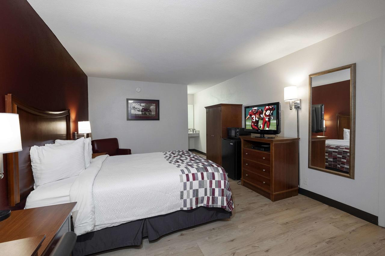 Red Roof Inn  Suites Dothan