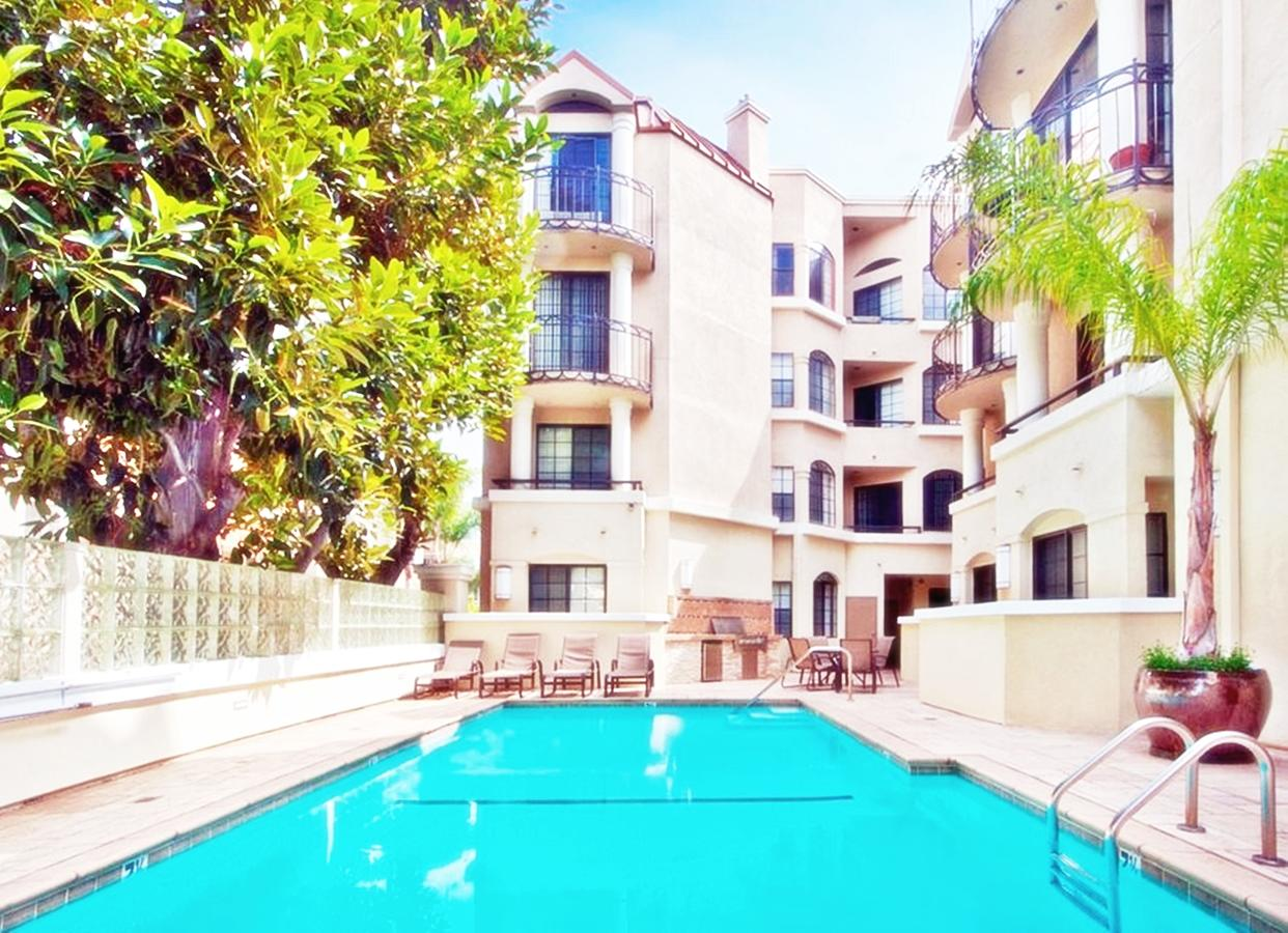 Luxury Apartments in the Center of Beverly Hills