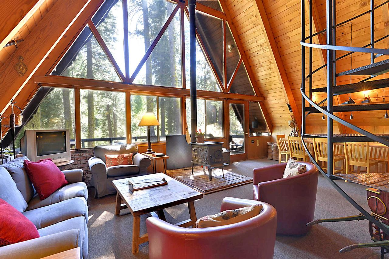 Alpine Meadows Cabin in the Woods