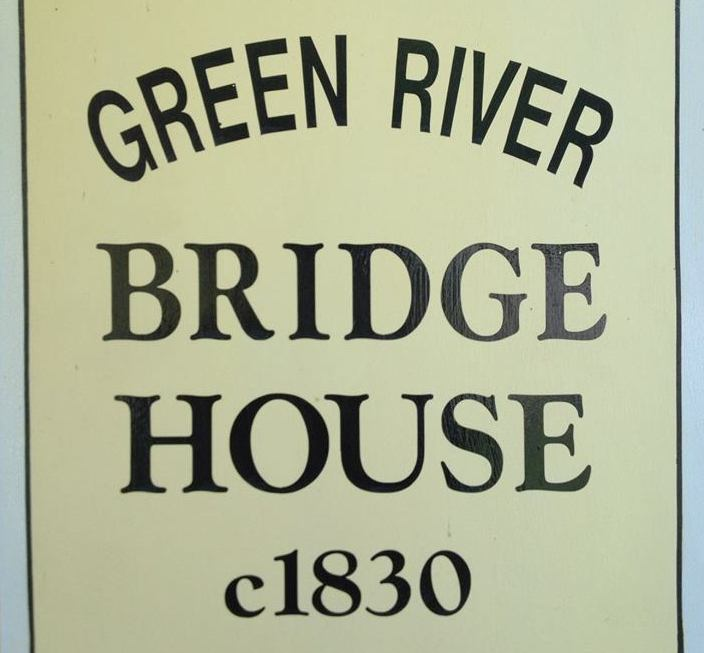 Green River Bridge House