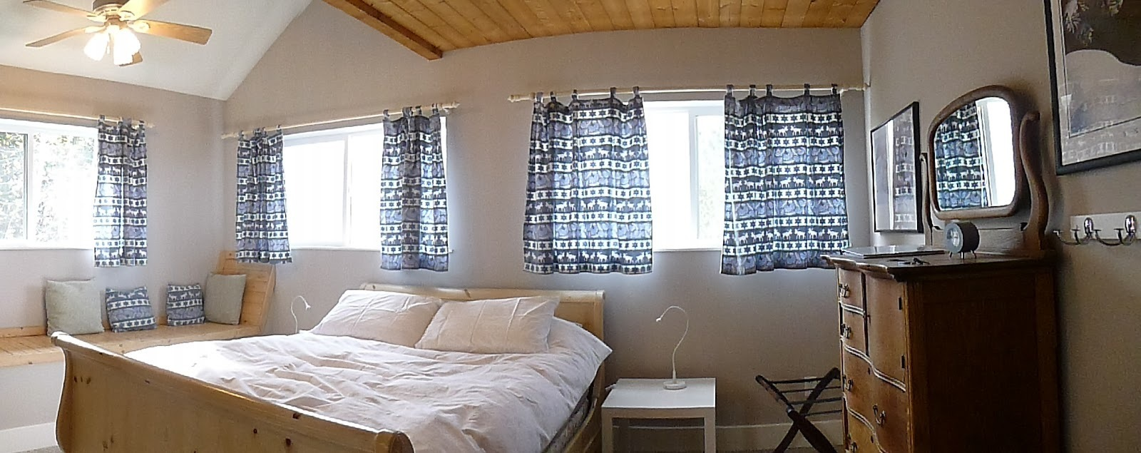 Atomic Chalet Bed & Breakfast