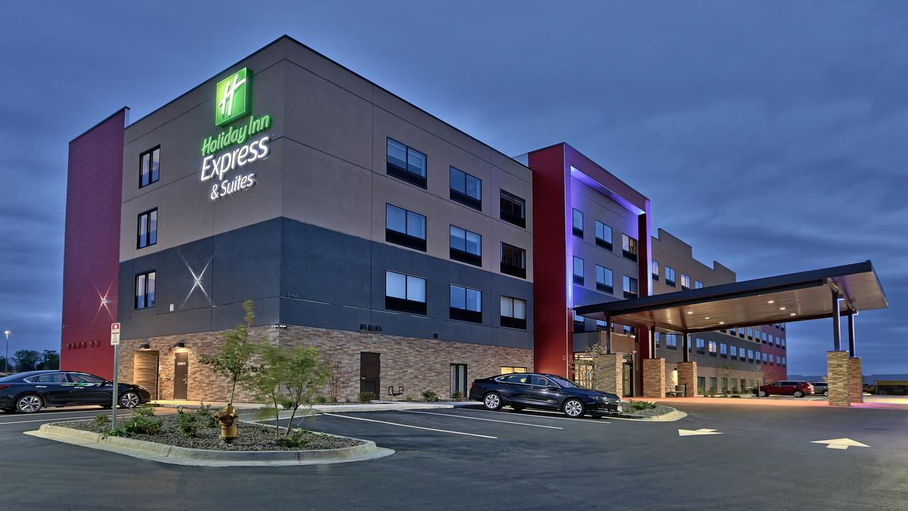 Holiday Inn Express  Suites Broomfield
