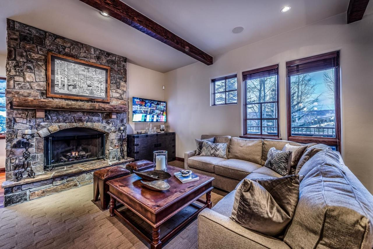 Snowmass Village, 4 Bedroom at Timbers Club - Ski-in Ski-out