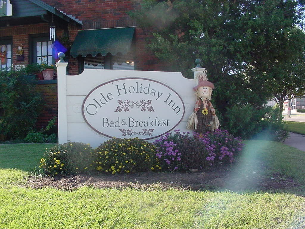 Olde Holiday Inn Bed & Breakfast