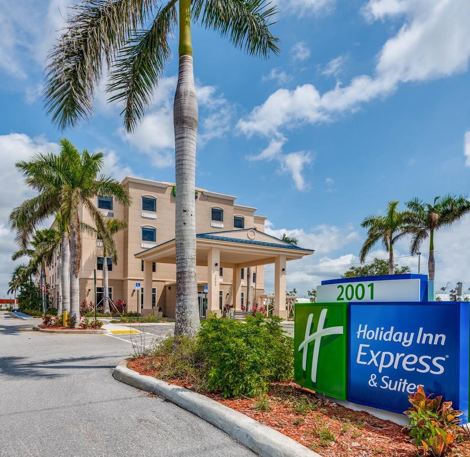 Holiday Inn Express  Suites Boynton Beach East