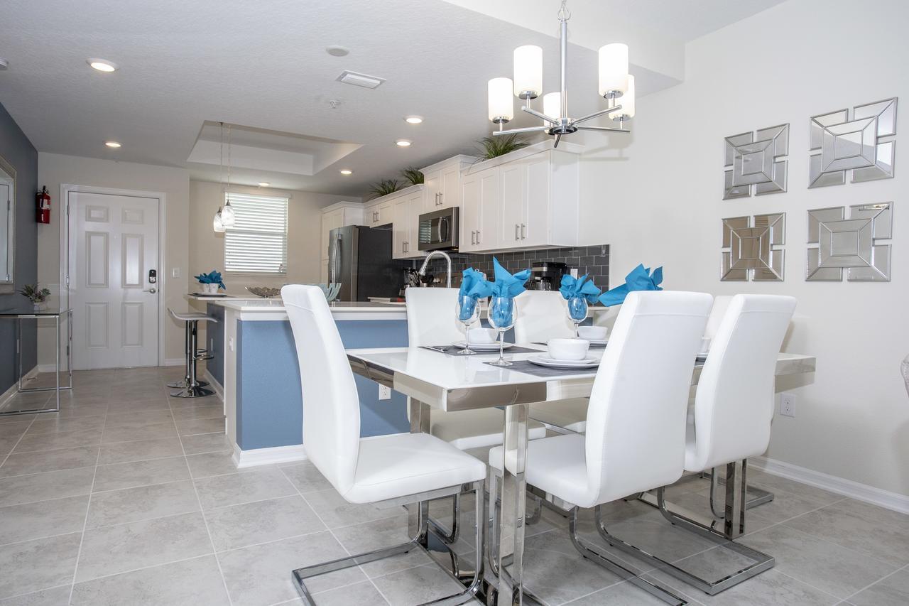 Stunning 2 Bedroom Apartment with AquaPark 304