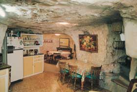 Faye's Underground Home And Opal Mine Image